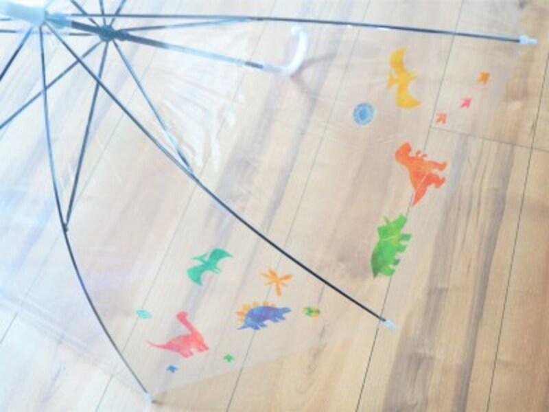 ビニール傘を好みのデザインにアレンジできるステッカー
