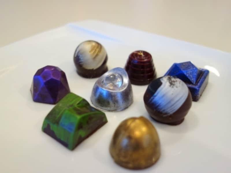 8種類のジュエリーのようなチョコレート