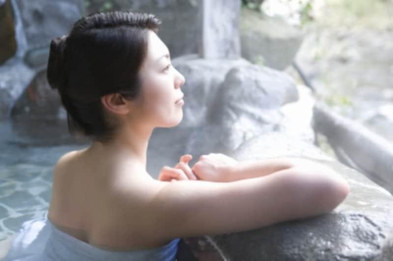 雪を見たら温泉で体をほっこり温める