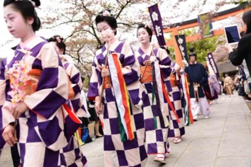 毎年4月10日に催される平野神社の「桜花祭」(2016年4月10日撮影)