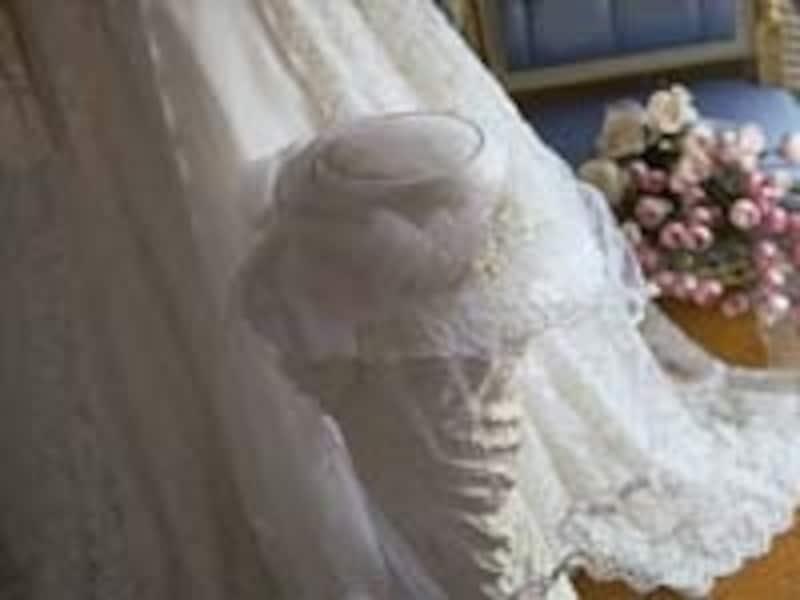 あこがれの結婚式。衣装にこだわりたい女性は多いが……