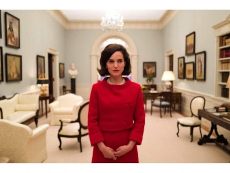 ジャッキー(ジャクリーン・ケネディ)を演じるのは、ハリウッドきっての頭脳派ナタリー・ポートマン。(C)2016JackieProductionsLimited