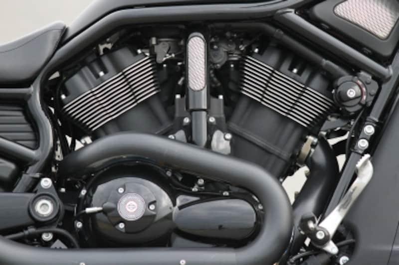 Vロッドモデルの心臓排気量1,246cc水冷Vツインエンジン「レボリューション」