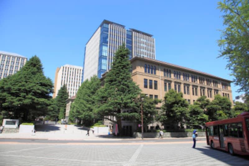 AO入試「志望理由書」は、自分が将来就きたい仕事と志望する大学でできることがつながるように書く