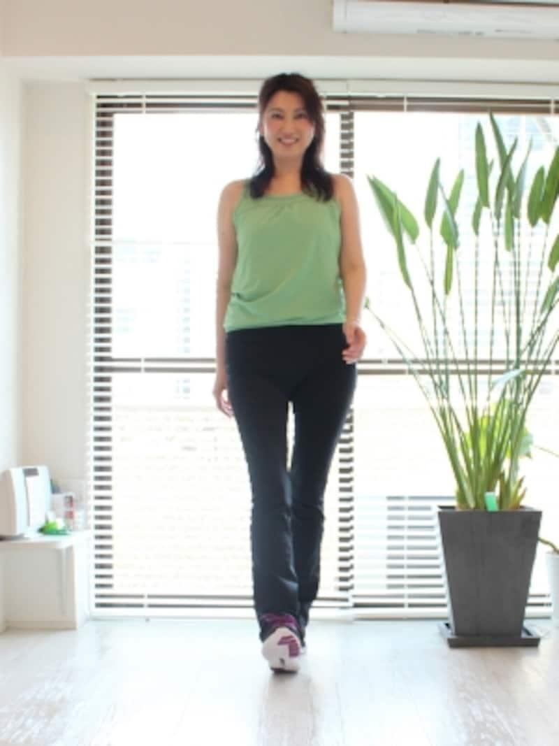 スニーカーで健康的なウォーキングを。