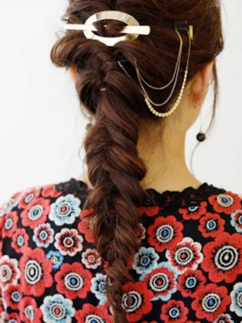 特にハチ上の髪は根元までしっかり巻き、トップに高さを出す