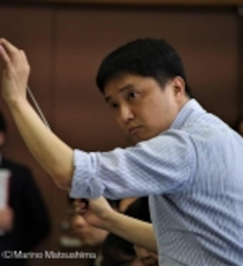 『オペラ座の怪人』稽古では指揮者がずっと指揮棒を振っています。(C)MarinoMatsushima