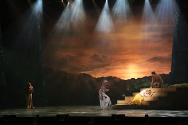 『王家の紋章』前回公演よりundefined写真提供:東宝演劇部