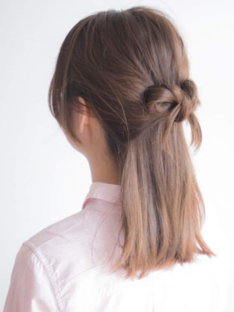 小さめのリボンヘア
