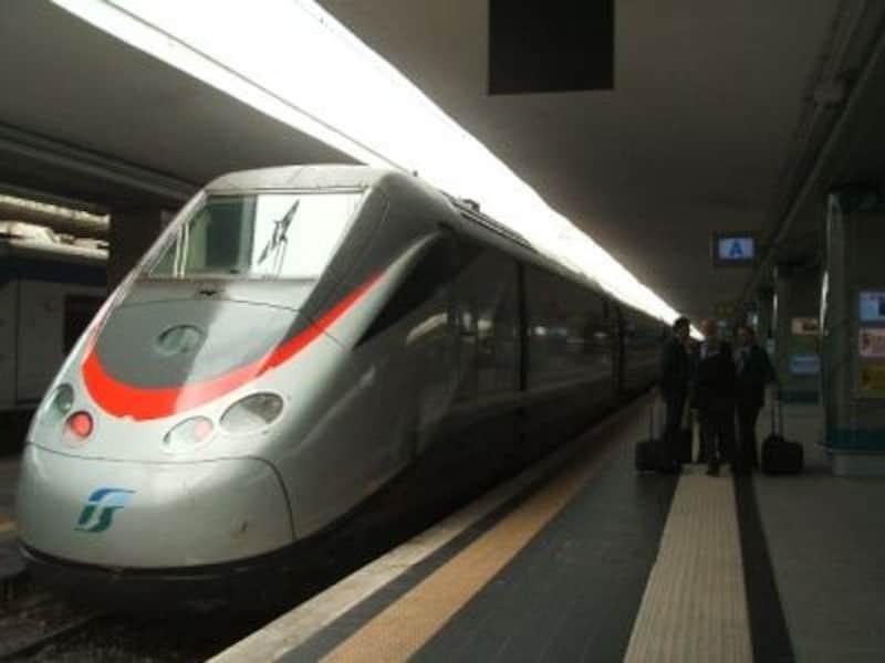 イタリアの特急列車は新幹線と比べると割安感
