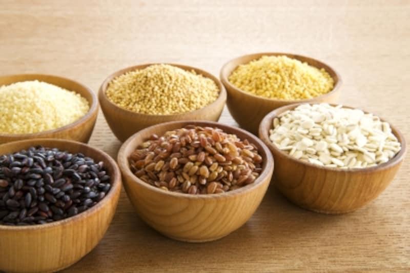 もち麦を始め、穀類にも様々な形や色、いろいろな特徴があります