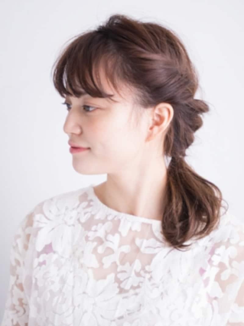 ねじり編み込みで作るシンプルなまとめ髪