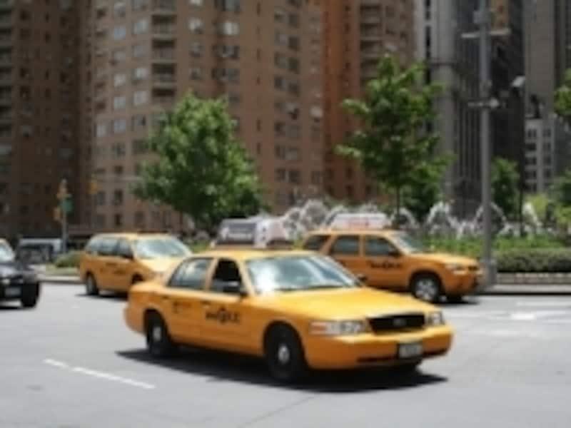 夜は必ずタクシーを!