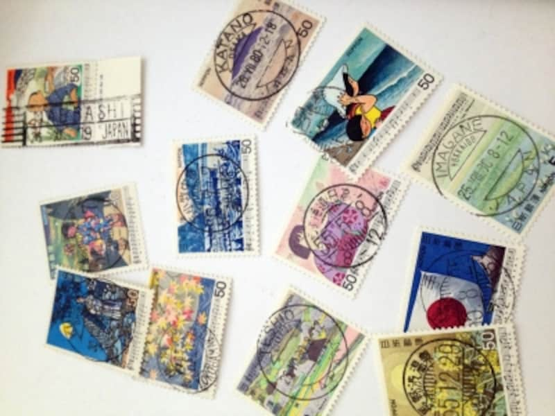切手のはがし方は「水はがし」がおすすめ!