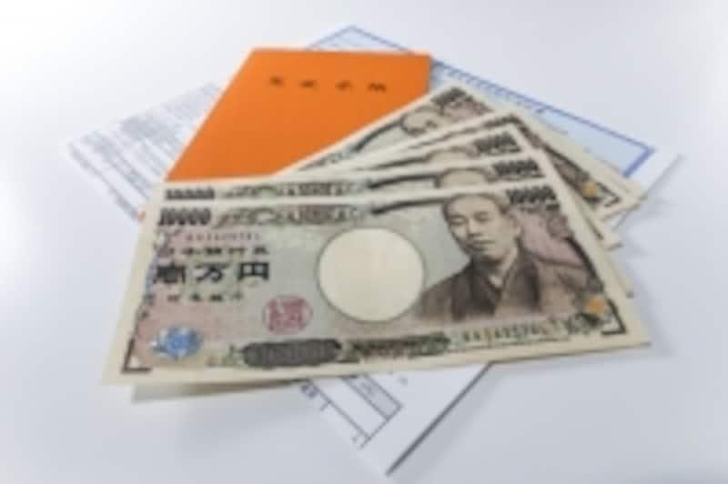 公的年金額は、毎年、ルールに則って改定されている。