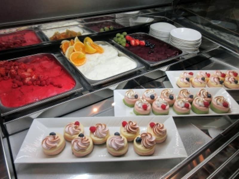 ポルト氷菓のブッフェ台
