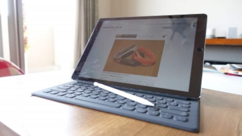 iPadProにSmartKeyboardとApplePencil。