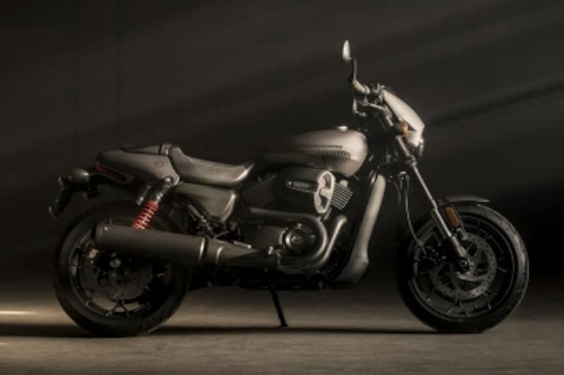 ハーレーの水冷モデル「ストリート750」が進化した新型モデル「ストリートロッド」