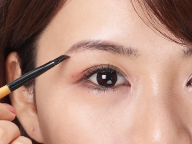 瞳の色とあったナチュラルなカラーをセレクト