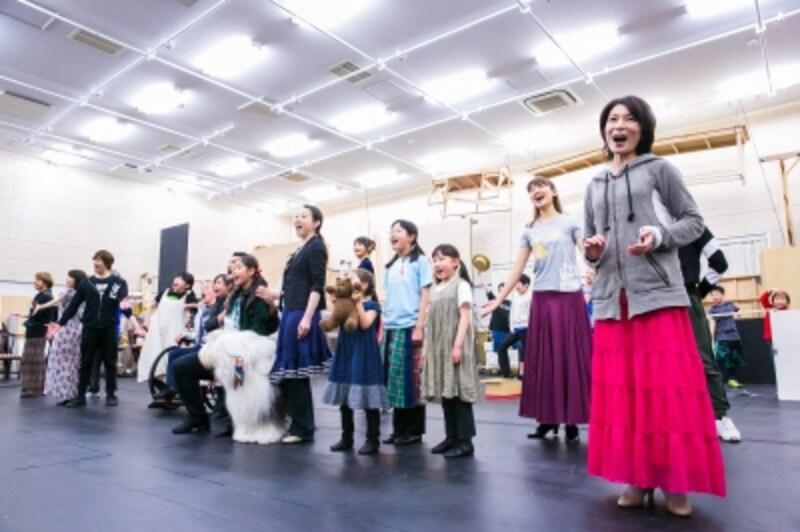 『アニー』稽古より。写真提供:日本テレビ