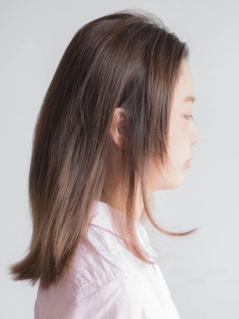 鎖骨下のミディアムヘア