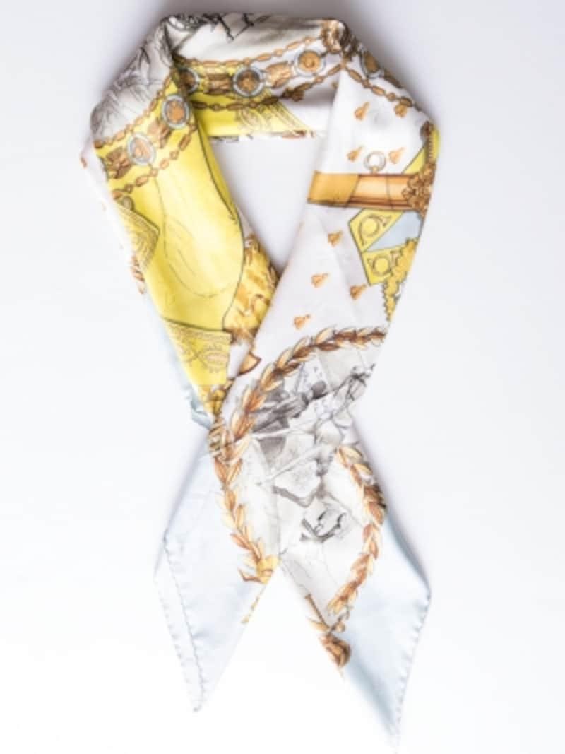 淡いブルー×イエローのシルクスカーフ