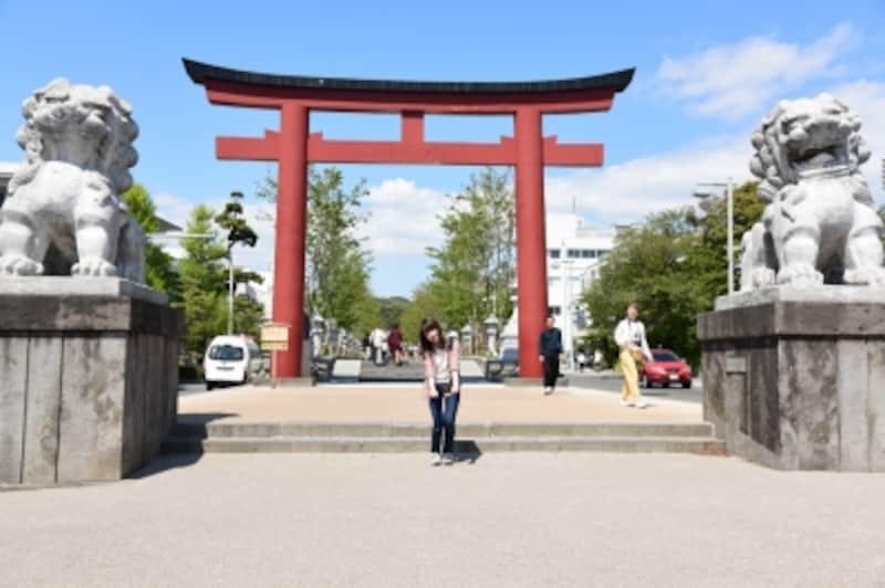 「段葛」は鶴岡八幡宮の正式な参道です