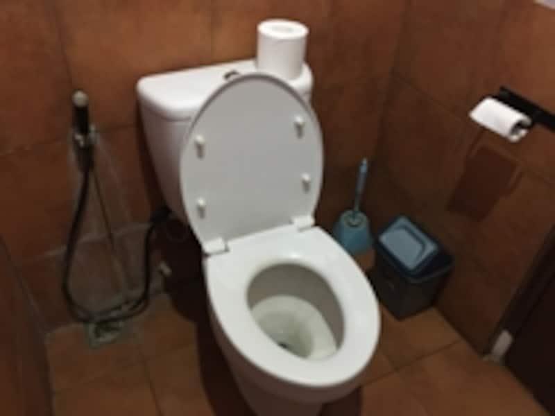 レストランのトイレ