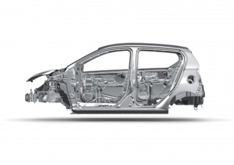 衝突安全性をキープしたまま、80キロの軽量化。実用燃費・動力性能も向上した