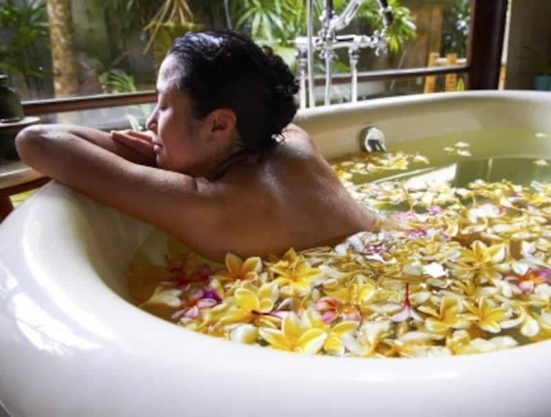 お風呂で香りも楽しみながらデオドラントケア!湯船で体を温めることは健康にもバッチリ!