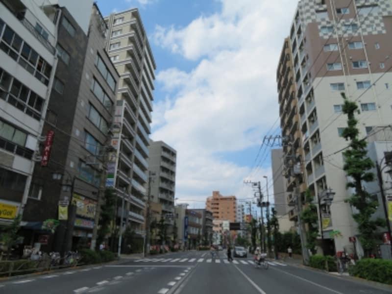 通り沿いの住宅