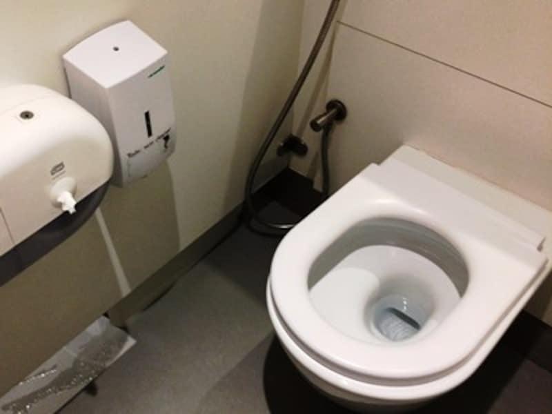 ドバイのトイレ