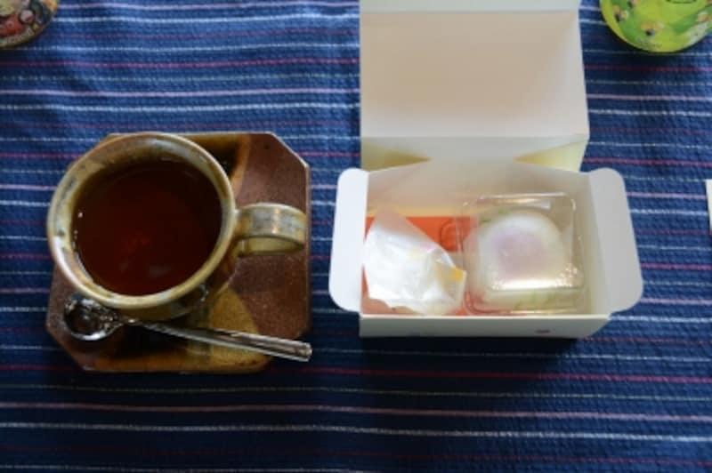 デザートは和菓子と紅茶