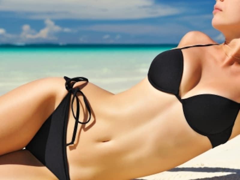 女性らしい曲線を描く、くびれ。脇腹の横肉に埋もれていませんか?