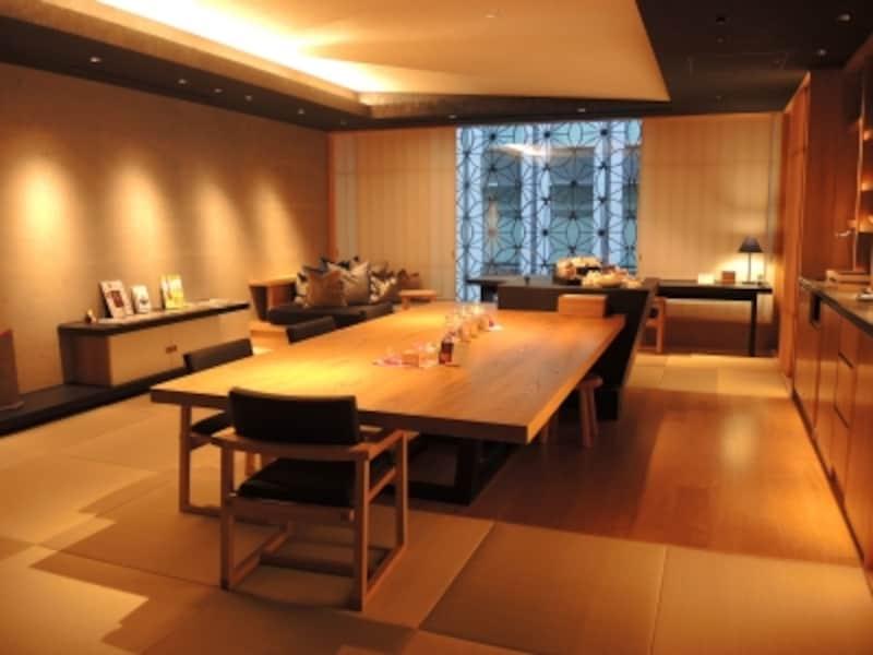 星のや東京undefined寛ぎ空間「お茶の間ラウンジ」