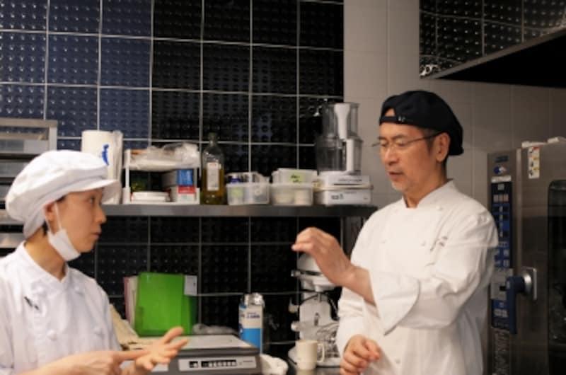 志賀さんが厨房に入る貴重な機会