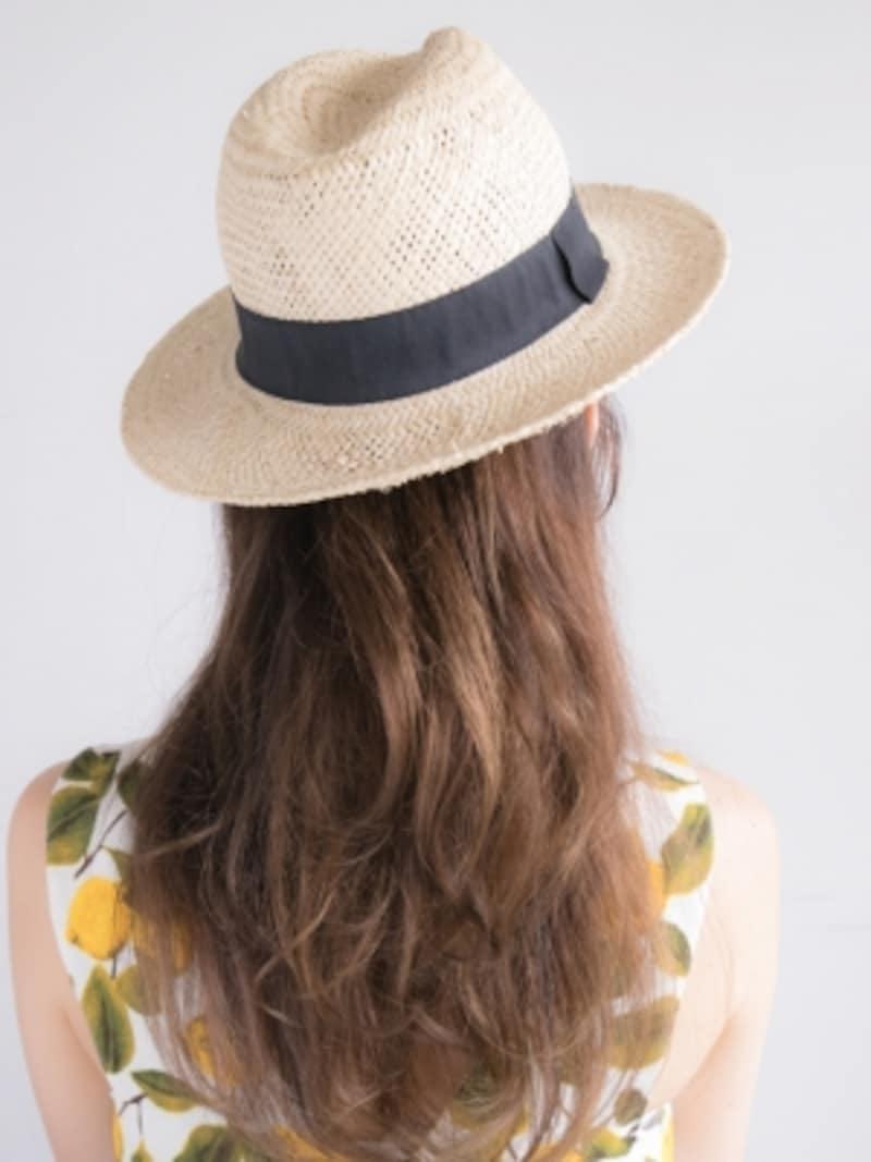 帽子をかぶった跡が目立たない麦わら帽子アレンジ・バック