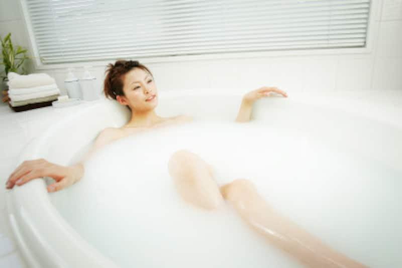 シャワーで済ませずに定期的な入浴をお勧めします。