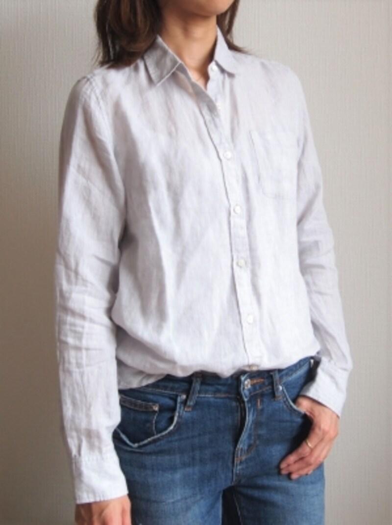 ベーシックなシャツを普通に着ると、やっぱり普通な印象に