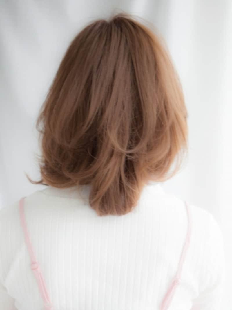 とにかく髪が多い人に似合うミディアムヘア