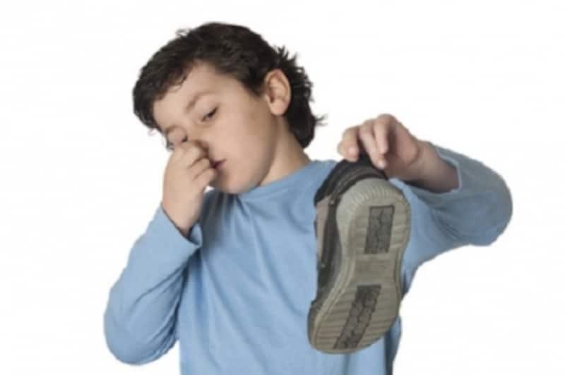 靴の臭いを何とかするには…