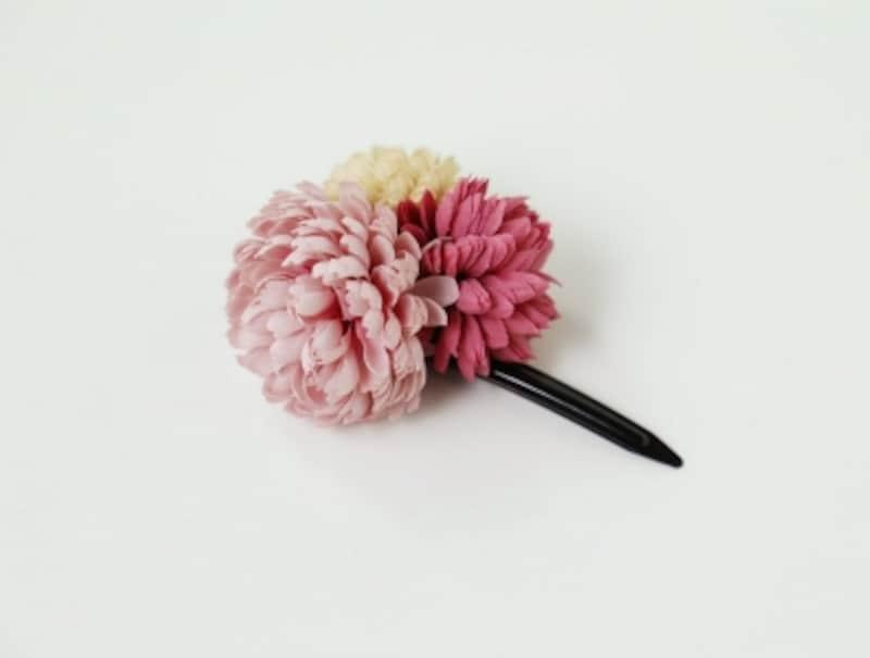 お花のコサージュピン