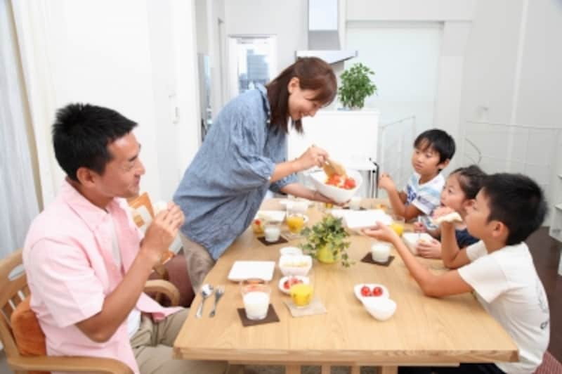 子どもの人数に合わせて住み替える?初めから大きめの家に住む?