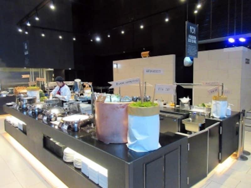 品川プリンスホテルアジア料理のブッフェ台