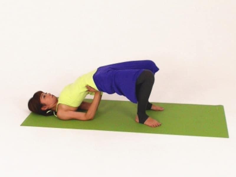 股関節エクササイズ1undefined仰向け姿勢からお尻を床から離す