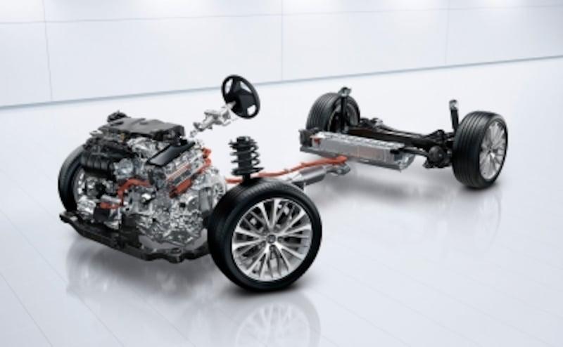 ハイブリッドシステムの小型・軽量・高効率化技術を組み合わせることで、優れた動力性能と低燃費を実現。