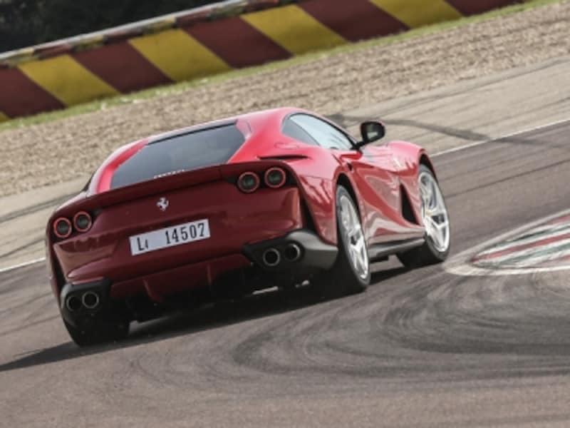 フェラーリ812スーパーファスト