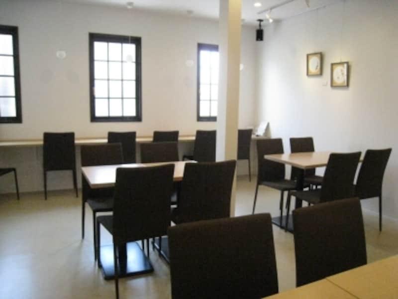2階の喫茶スペース。