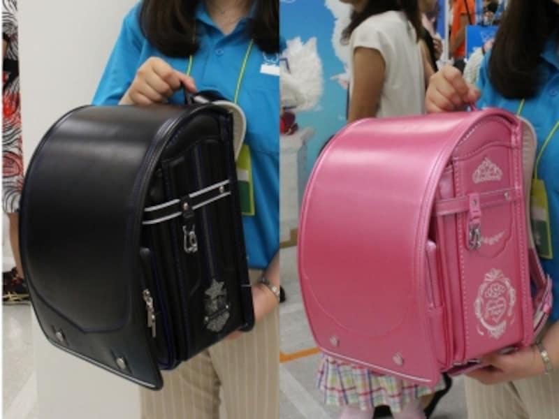 左が男の子用の「モデルロイヤルトラッド」6万3720円。右が、女の子用の「モデルロイヤル・レジオプリンセス」7万3440円
