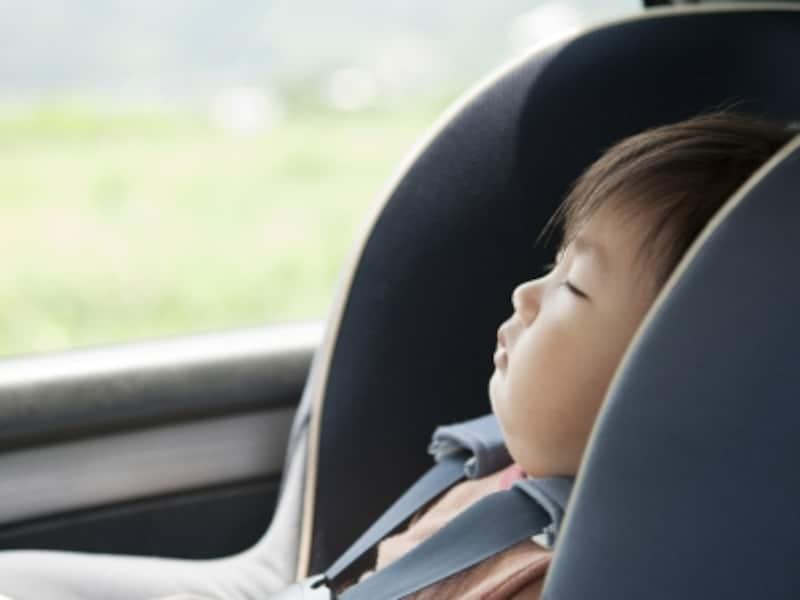 熱中症リスク・車内に残された子供